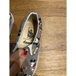 Vans Limited Edition in Disney
